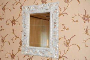 зеркало в раме ручной работы